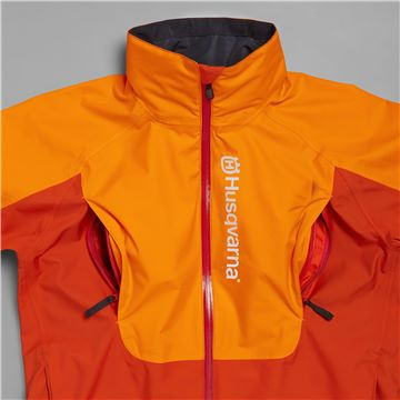 All weather jacket, technical with Gore-Tex, easy-to-reach pockets