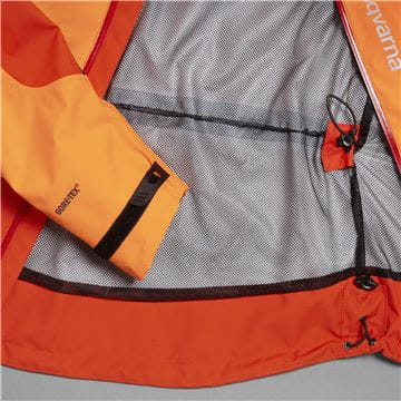 All weather jacket, technical with Gore-Tex, Adjustable waist and breathable inside