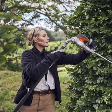 520iHT4 extended hedgetrimmer
