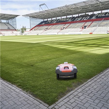 Automower 550 football field