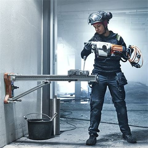 Husqvarna DS 500 drill stand has been developed for use with Husqvarna DM 400 and DM 430.