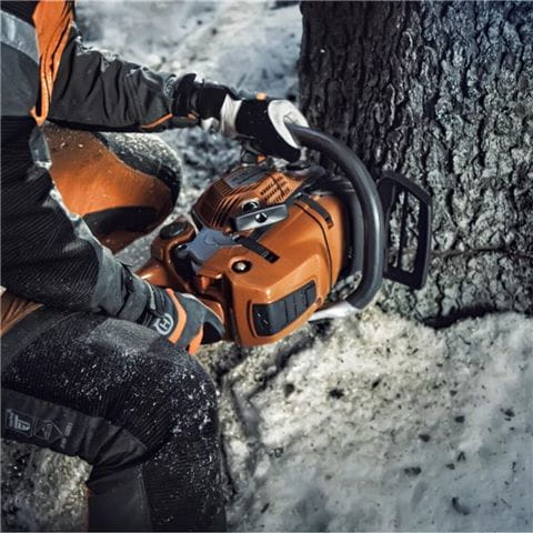 Chainsaw winter image (for web use)