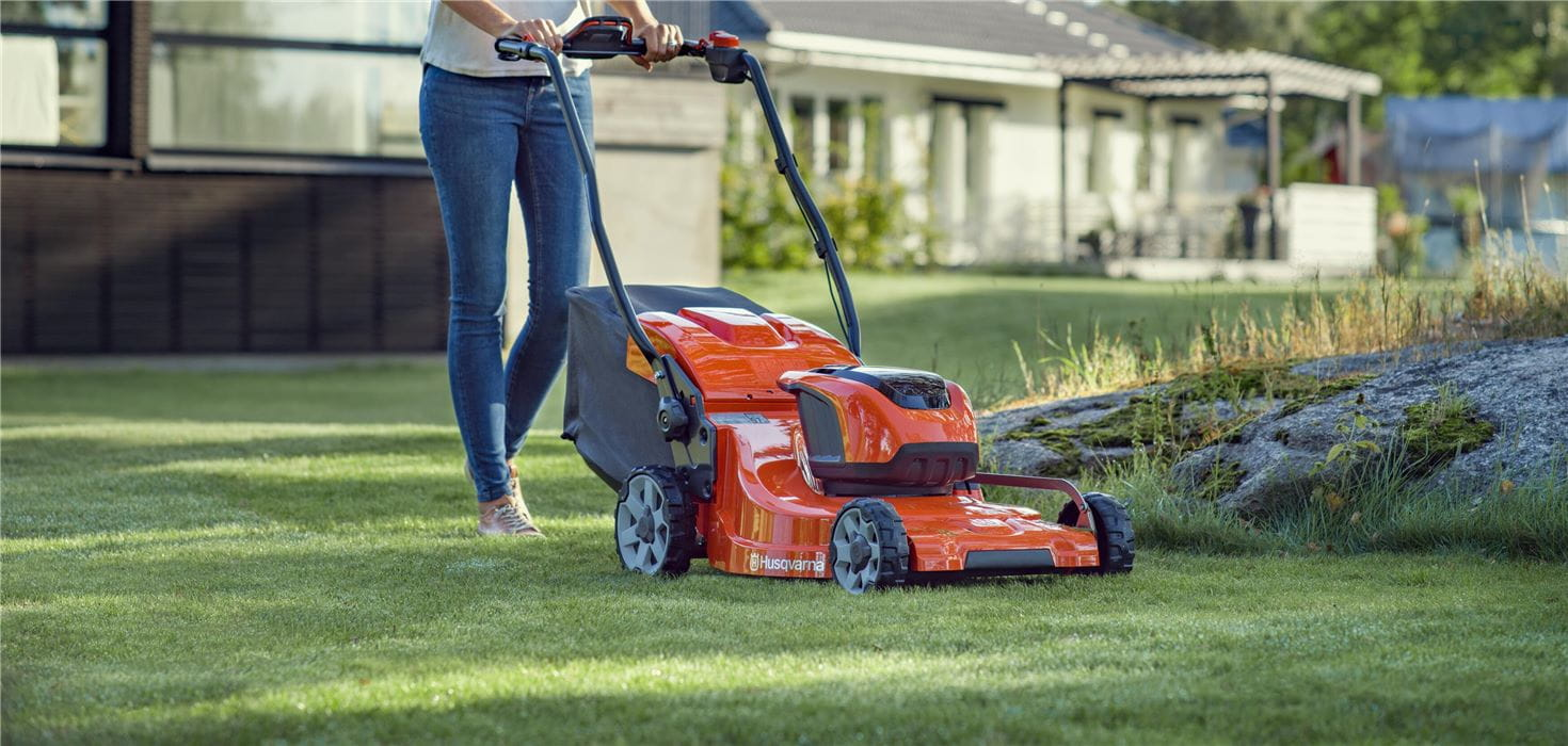 Suburban PGE / Battery Lawn-mower / LC 353iVX