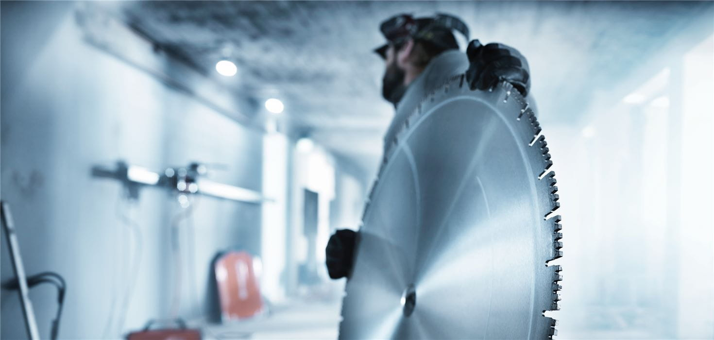 Husqvarna wall sawing diamond blades with Diagrip technology provide faster, smoother cutting in heavily reinforced concrete