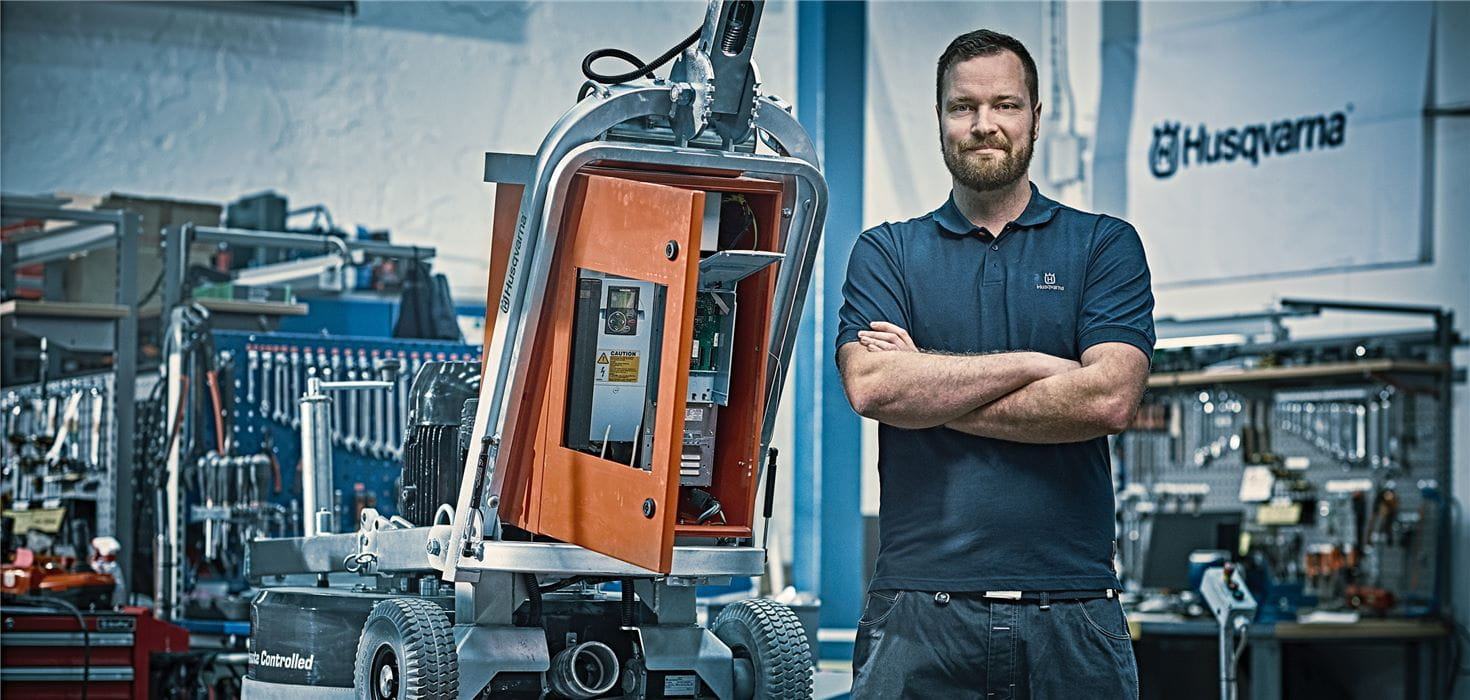 Husqvarna service mechanics specialize in floor grinding equiment to ensure maximum uptime and machine availability through planned maintenance and fast, correct repair.