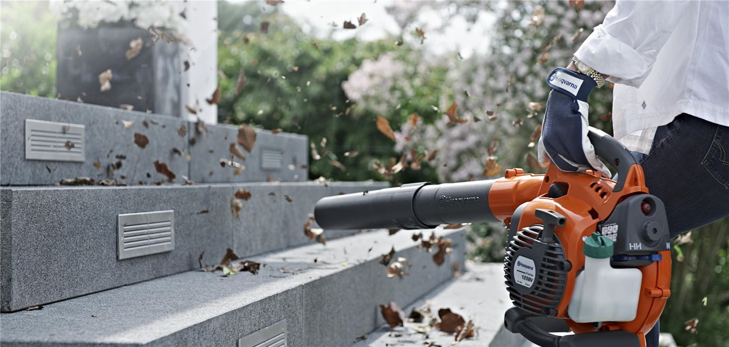 Hand-held and back-pack leaf blowers from Husqvarna