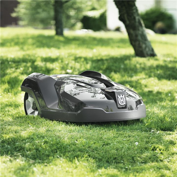 Handle every situation with a robotic lawnmower from Husqvarna