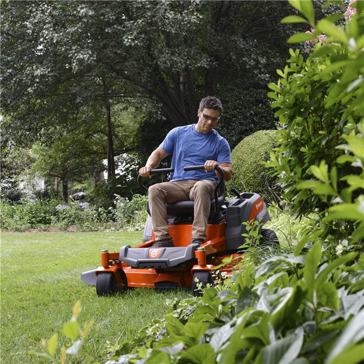 The unique steering system makes your Zero-Turn Mower from Husqvarna turn on a spot