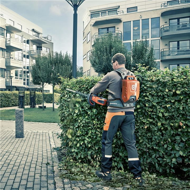 Maximise your working time in your battery driven Husqvarna Hedge Trimmer with our new powerful battery