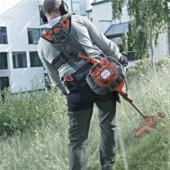 With a brushcutter from Husqvarna your operations will feel ergonomic, balanced and comfortable
