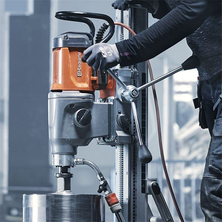 Husqvarna DM 400 series drill motors have been constructed with a tough aluminium case and new sleek profile, along with plenty of smart features.