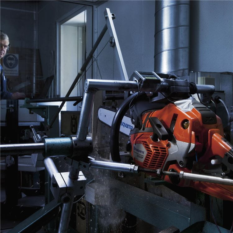 Chainsaw vibration test