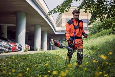 Husqvarna 535iRXT battery brushcutter