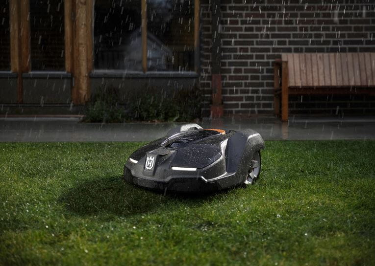 Automower in Rain