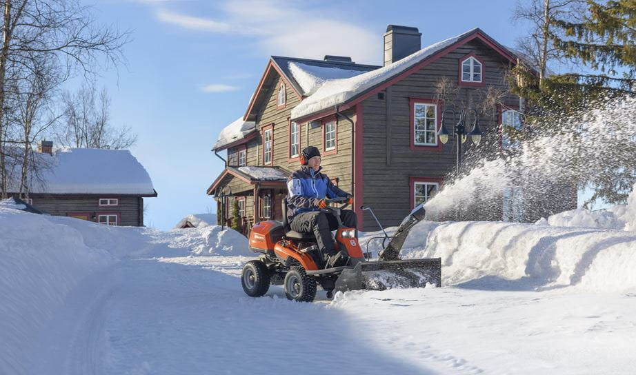 Rider 316TS AWD with Snow thrower