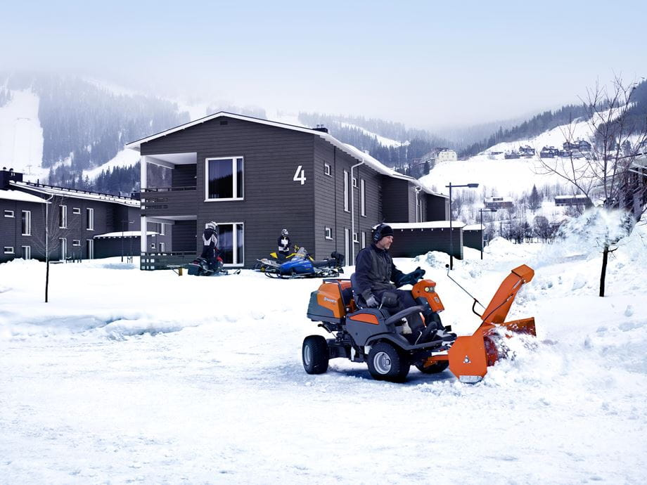 P 524 with snow thrower