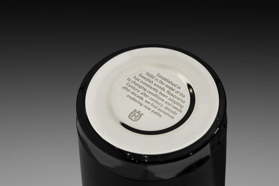 Thermos bottle 0,75 L, Bottom with engraved storytelling text