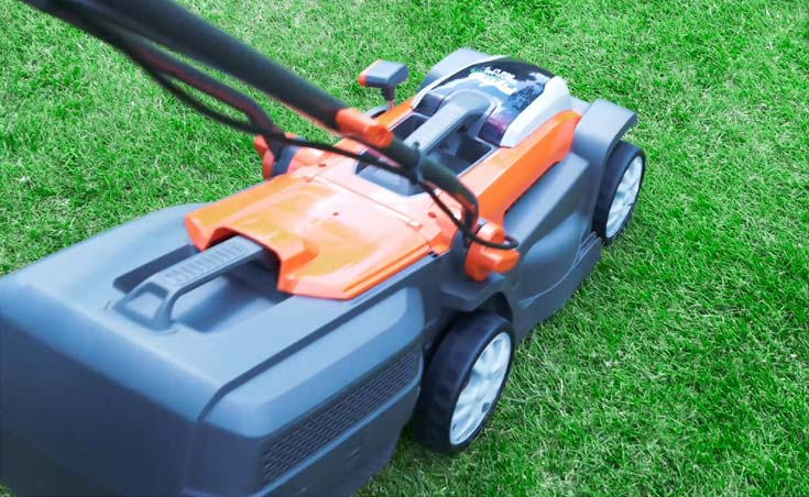 No direct emissions when using a battery lawn mower