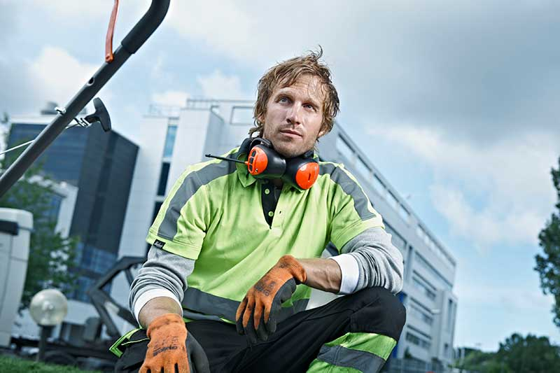 Husqvarna-earmuffs-ear-protection