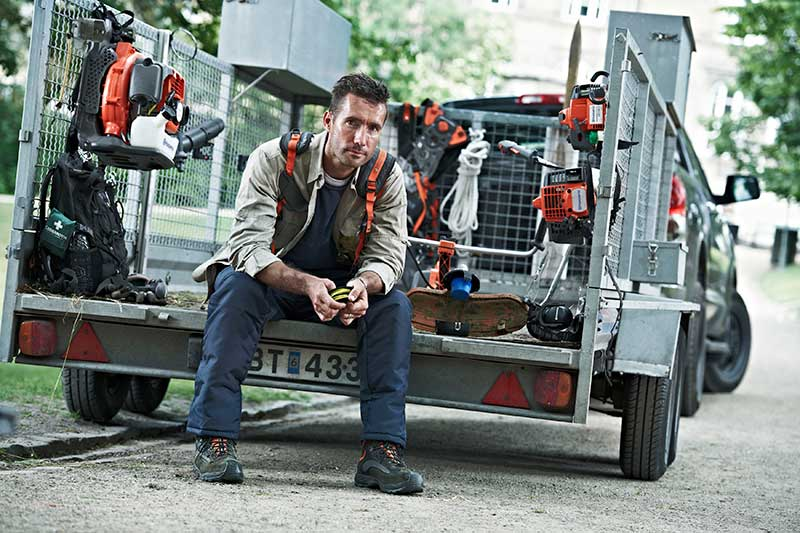 Husqvarna-garden-equipment-in-trailer
