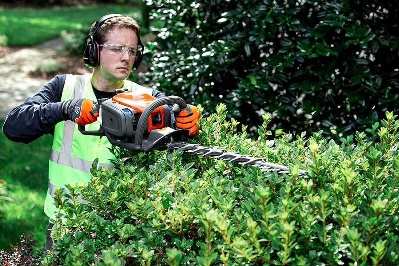 Husqvarna-hedge-trimmer