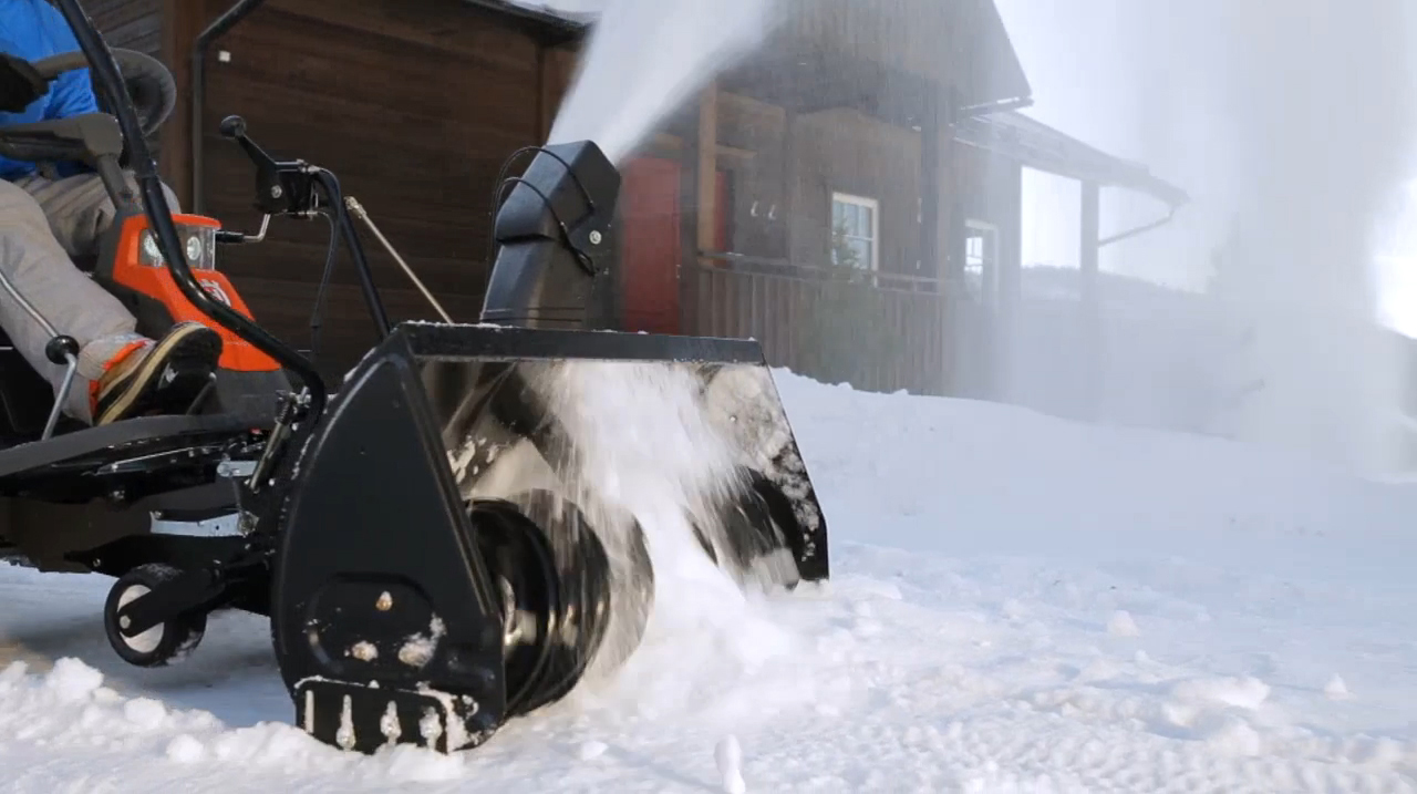 Rider 300-series with snow thrower