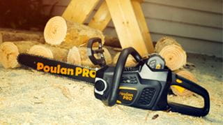 Battery Chainsaw Cut Wood